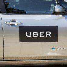 """Jungtinėse Valstijose """"Uber"""" vairuotojas nuteistas už apsvaigusios keleivės užpuolimą"""