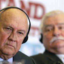 Buvęs PAR prezidentas atsiprašė už žodžius apie apartheidą