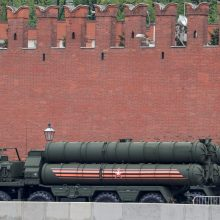 Kremlius: Rusija ir Indija šią savaitę pasirašys susitarimą dėl raketų S-400