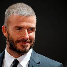 D. Beckhamui gresia bausmė už naudojimąsi telefonu vairuojant