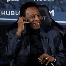 Brazilijos futbolo legenda Pele paguldytas į Paryžiaus ligoninę