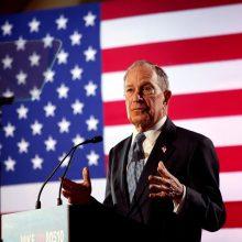 Didėja JAV demokratų kritika prezidento posto siekiančiam M. Bloombergui