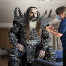 """""""Lordi"""" dainininkas pasiskiepijo, vilkėdamas sceninį kostiumą"""