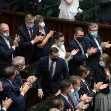 Lenkijos parlamentas pritarė nepaprastosios padėties įvedimui prie sienos su Baltarusija