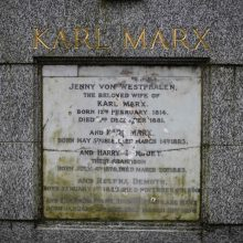 Londone vandalai išniekino K. Marxo antkapinį paminklą