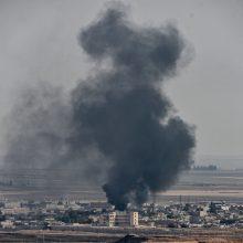 JT: nuo Turkijos puolimo pradžios Sirijoje perkelta 100 000 žmonių