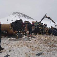 Turkijoje kariuomenės sraigtasparnio katastrofos aukų padaugėjo iki dešimties
