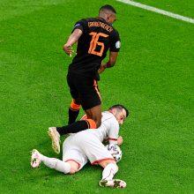 Nyderlandų futbolininkai nestabdo: sutriuškino Šiaurės Makedoniją