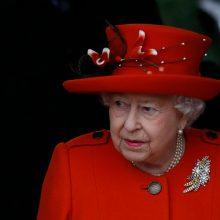Karalienei Elizabeth II sueina 93-eji