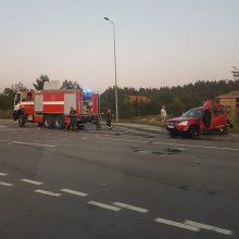 Jonavos rajone susidūrė vilkikas ir lengvasis automobilis, nukentėjo moteris