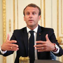 Prancūzijos prezidentas žada mažinti pajamų mokesčius