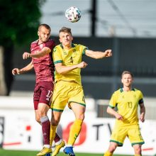 Lietuvos futbolo rinktinė išvykoje neprilygo Latvijai
