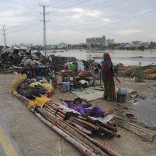 Pakistano Karačio uostamiestyje potvyniai nusinešė 12 gyvybių
