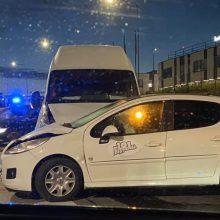 Per avariją Šilainiuose nukentėjusi moteris išvežta į Kauno klinikas
