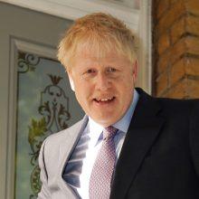 B. Johnsonas lieka pagrindinis favoritas pakeisti poste premjerę Th. May