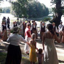 Ilzenbergo dvare – pažintis su latviškomis Joninių tradicijomis
