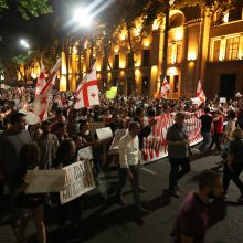 Sakartvelo valdančioji partija pranešė apie rinkimų sistemos reformą po protestų