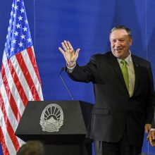 JAV valstybės sekretorius ragina Balkanų šalis nepasiduoti Rusijos įtakai