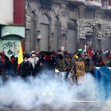 Ekvadore per protestuotųjų ir policijos susirėmimus žuvo penki žmonės