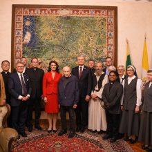 Prezidentas Romoje: esate tikri Lietuvos patriotai ir tikėjimo šaukliai