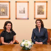 D. Nausėdienė su Armėnijos premjero sutuoktine aptarė visuomenines iniciatyvas