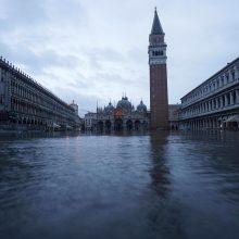 Veneciją skandinęs potvynis Šv. Morkaus bazilikai padarė 3 mln. eurų nuostolių