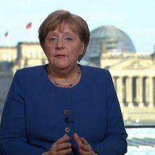 Vokietijos kanclerės ir trečiasis koronaviruso testas – neigiamas