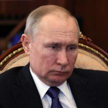 V. Putinas: Rusija pasiruošusi bendradarbiauti, kad naftos gavyba būtų sumažinta