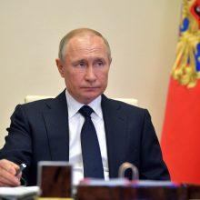 V. Putinas paskelbė nepaprastąją padėtį dėl į Sibiro upę išsiliejusio dyzelino
