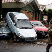 Salvadore tropikų audra pareikalavo mažiausiai 15 aukų
