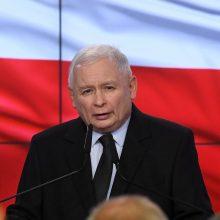 J. Kaczynskis ketina trauktis iš užimamų pareigų Lenkijos vyriausybėje