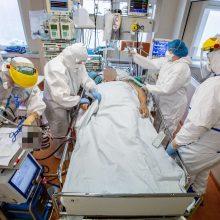 Medikų profsąjungos piktinasi nesulaukusios žadėto algų didinimo