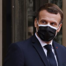 E. Macronas: Prancūzijoje nuo birželio 15 d. galės pasiskiepyti 12–18 m. paaugliai
