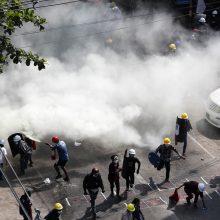 JT: per protestus Mianmare trečiadienį žuvo 38 žmonės