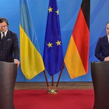 Vokietija pakartojo, kad netieks ginklų Ukrainai
