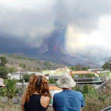 Skrydžiai sustabdyti po naujo ugnikalnio išsiveržimo Kanarų salose