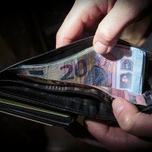Per metus sumažėjo gyventojų, manančių, kad jų šeimos finansinė padėtis blogėja