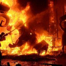 Kinijoje per gaisrą farmacijos įmonėje žuvo 10 žmonių