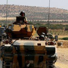 Turkijoje dėl nesėkmingo perversmo du kariškiai nuteisti kalėti iki gyvos galvos