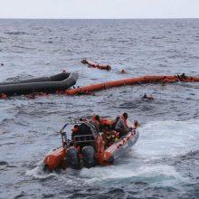 Prie Kanarų salų rastas laivas su 17 mirusių migrantų