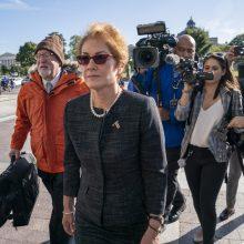 Buvusi JAV ambasadorė Ukrainai atvyko į Kongresą liudyti apkaltos tyrime