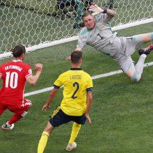 Paskutinėmis sekundėmis švedai įveikė lenkus ir tapo grupės nugalėtojais