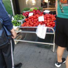 Kauno turguose pagaliau sumažėjo kosminės bulvių kainos, sparčiai brangsta šilauogės