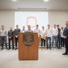 """KMT trofėjų """"Rytas"""" pristatė Vilniaus savivaldybėje"""