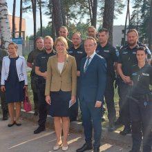 Estijos užsienio reikalų ministrė apsilankė Užsieniečių registracijos centre Pabradėje