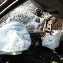 Trakų rajone susidūrus dviem automobiliams ir vilkikui žuvo penki žmonės