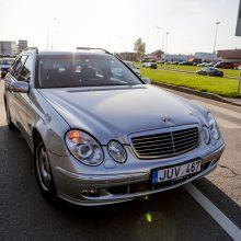 "Baltų prospekte ""Mercedes-Benz"" partrenkė du žmones"