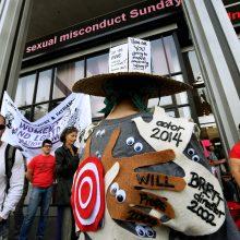 Šimtai demonstrantų surengė eitynes prieš seksualinį priekabiavimą