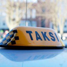 Šilutės plente nukentėjo taksi važiavusi keleivė