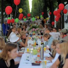 Prie bendro stalo susėdo šimtai kauniečių